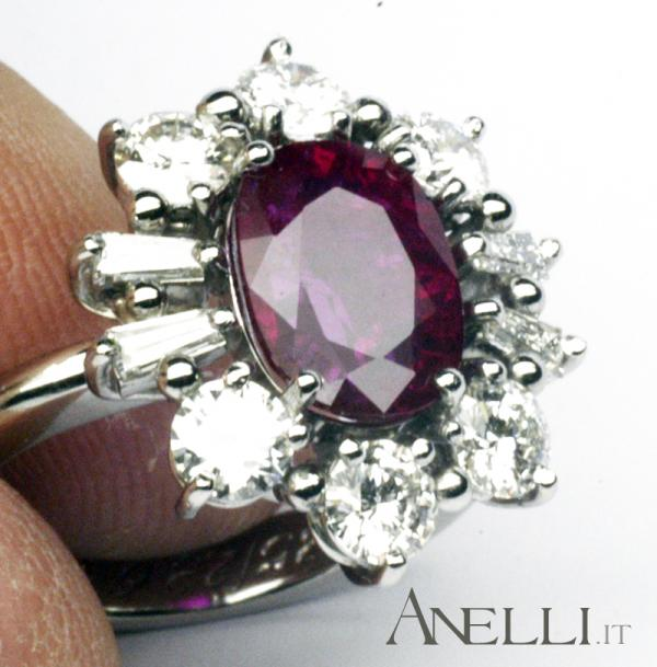 Fotografia-di-un-anello-in-platino-con-rubino.jpg